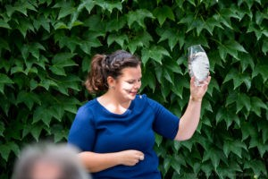 Freie Rednerin Karen Schleppy auf einer Freien Trauung in Hessen