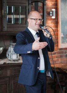 Freier Redner Axel Hahn redet auf Freier Trauung