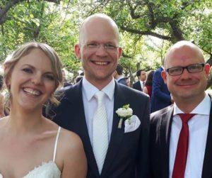 Freier Redner Axel Hahn mit Brautpaar