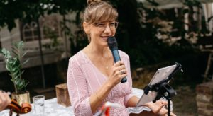 Freie Rednerin Susanne de los Santos