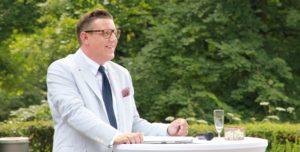 Der Freie Redner Ben Pandolfi auf einer freien Trauung in Mannheim