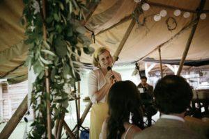 Freie Rednerin Traurednerin Katie Knees bei einer Freien Trauung