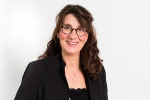 Die Freie Rednerin Tina Seybold auf einer Freien Trauung in Waiblingen