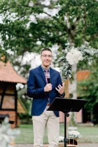 Freier Redner Trauredner Josua Richter bei einer Freien Trauung